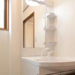 狭い洗面所でもDIYで収納スペースを増やせる!